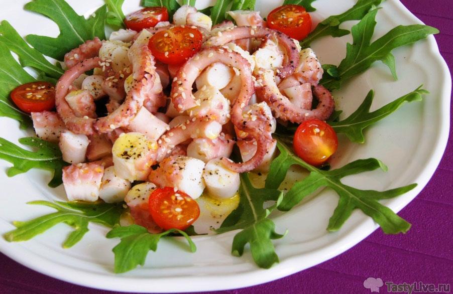 Салат с осьминогами