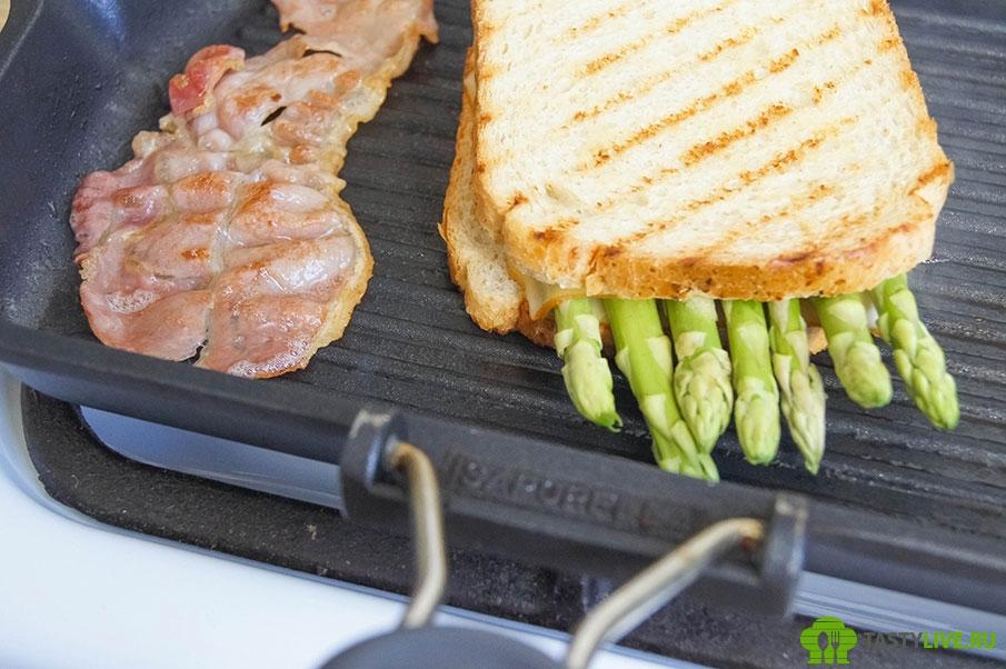 Сэндвич со спаржей