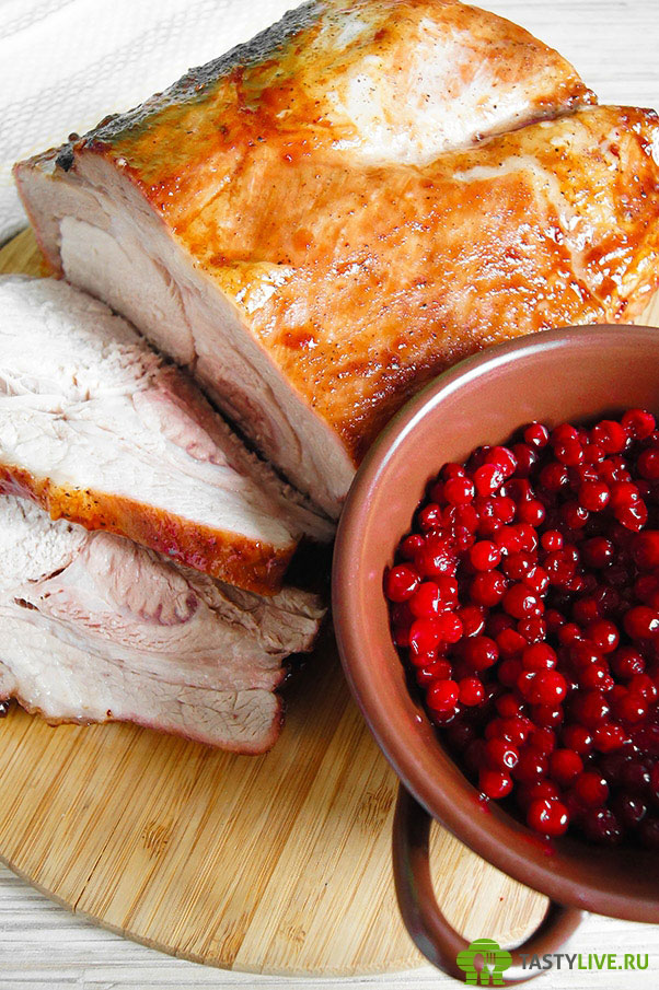 Свинина с брусникой рецепт